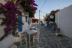 Quadrato di Chora all'isola di Folegandros Immagini Stock