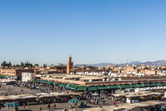Quadrato di EL Fna di Djemaa a Marrakesh Fotografia Stock