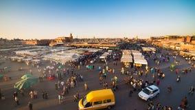 Quadrato di EL Fna di Djemaa a Marrakesh Timelapse archivi video
