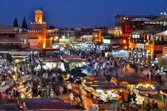 Quadrato di EL-Fnaa di Jemaa in Medina di Marrakesh, Marocco Immagine Stock
