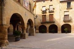 Quadrato di Esglesia in Horta de Sant Joan, Terra Alta, prov di Tarragona Immagine Stock Libera da Diritti