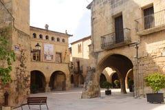 Quadrato di Esglesia in Horta de Sant Joan, Terra Alta, prov di Tarragona Fotografie Stock