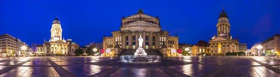Quadrato di Gendarmenmarkt a Berlino Fotografia Stock Libera da Diritti