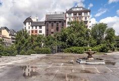 Quadrato di Madrid con la fontana Fotografie Stock Libere da Diritti