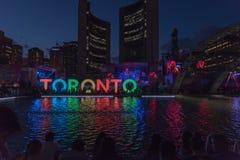 Quadrato di Nathan Phillip a Toronto Immagini Stock Libere da Diritti