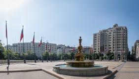 Quadrato di Plaza de la Constituicion Constitution - Santiago, Cile Fotografie Stock