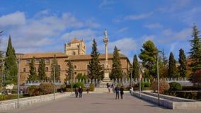 Quadrato di Plaza del Trion con Satue di Mary Immaculate e dell'ospedale reale di Granada, Spagna Immagine Stock Libera da Diritti