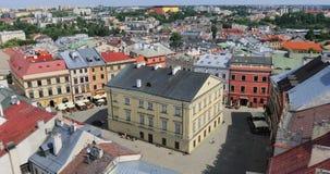 Quadrato di Rynek in vecchia città di Lublino, Polonia stock footage