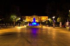 Quadrato di sintagma durante la notte, a Atene, la Grecia fotografia stock