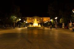 Quadrato di sintagma durante la notte, a Atene, la Grecia immagini stock