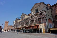 Quadrato di Trento e Trieste della piazza di Ferrara immagini stock