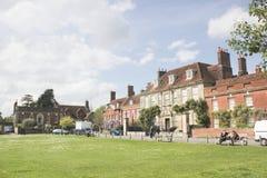 Quadrato di verde della città di Salisbury immagine stock libera da diritti