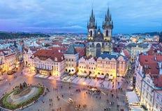 Quadrato nella sera, Praga di Città Vecchia Immagine Stock