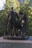 Quadrato Salt Lake City del tempio della statua dei pionieri fotografia stock libera da diritti