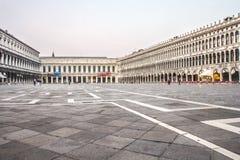 Quadrato vuoto di St Marc ad alba Immagini Stock Libere da Diritti