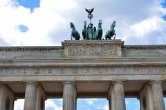 Quadriga da porta de Brandemburgo imagens de stock
