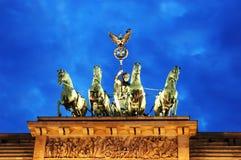 Quadriga della porta di Brandeburgo Berlino/Germania immagine stock