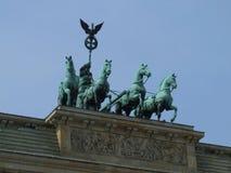Quadriga na porta de Brandemburgo em Berlim, Alemanha Imagens de Stock Royalty Free