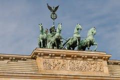 Quadriga op Piek Brandenburger (de Poort van Brandenburg) Stock Fotografie