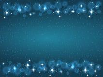 Quadro com as estrelas na obscuridade - fundo azul, símbolos dourados dos sparkles - star o brilho, alargamento estelar Fotos de Stock Royalty Free