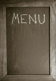 Quadro com quadro de madeira para o restaurante com fundo do molde da disposição do menu do texto escrito imagem de stock