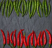 Quadro da pimenta vermelha e verde do Chile Foto de Stock