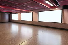 Quadro de avisos vazio na estação de metro do metro Fotografia de Stock