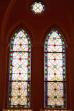 Quadro de janela louco do vidro da mancha na catedral foto de stock royalty free
