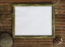 Quadro de madeira horizontal com fundo da foto da página branca Molde chique gasto da bandeira do projeto Imagens de Stock