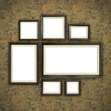 Quadro de madeira no papel de parede da cor Foto de Stock