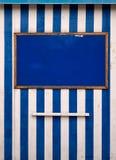 Quadro de mensagens branco azul esfarrapado do beira-mar Fotos de Stock Royalty Free