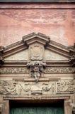 Quadro de porta italiano do renascimento Floresça o detalhe arquitetónico imagem de stock royalty free