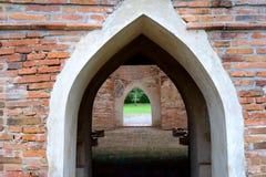 Quadro de porta velho do tijolo Imagem de Stock