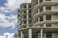 Quadro do concreto reforçado do cinza de uma construção nova Imagem de Stock