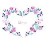 Quadro do coração, grinalda de flores roxas Imagens de Stock Royalty Free