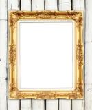 Quadro dourado vazio na parede de bambu colorida Fotografia de Stock
