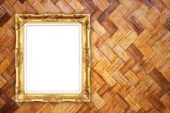 Quadro dourado vazio na textura de bambu Imagens de Stock Royalty Free