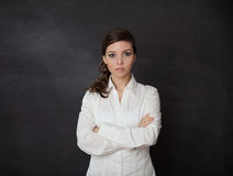 Quadro-negro assustado da mulher Foto de Stock Royalty Free