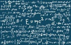 Quadro-negro inscreido com fórmulas e cálculos científicos na física e na matemática Pode ilustrar científico Imagens de Stock
