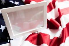 Quadro no fundo da bandeira americana - imagem fotografia de stock