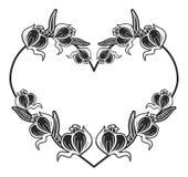 quadro preto e branco Coração-dado forma com silhuetas florais Fotos de Stock