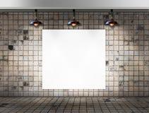 Quadro vazio com a lâmpada do teto na sala suja da telha Imagens de Stock Royalty Free