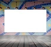 Quadro vazio na parede da telha de mosaico com lam do teto fotos de stock