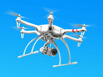 Quadrocopter-Brummen mit Kamera Stockbilder