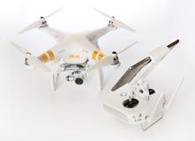 Quadrocopter Dji fantomu 3 profesjonalista Zdjęcia Stock