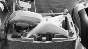 Quadrocoptersdji Spoor 4 in zijn eigen het dragen open geval stock afbeelding