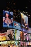 Quadros de avisos eletrônicos do Times Square Fotografia de Stock Royalty Free