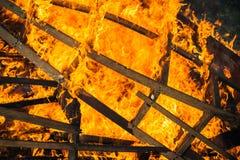 Quadros de madeira ardentes da estrutura fotos de stock