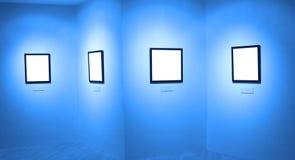 Quadros na parede branca no museu de arte Fotografia de Stock