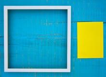 Quadros no fundo de madeira Foto de Stock